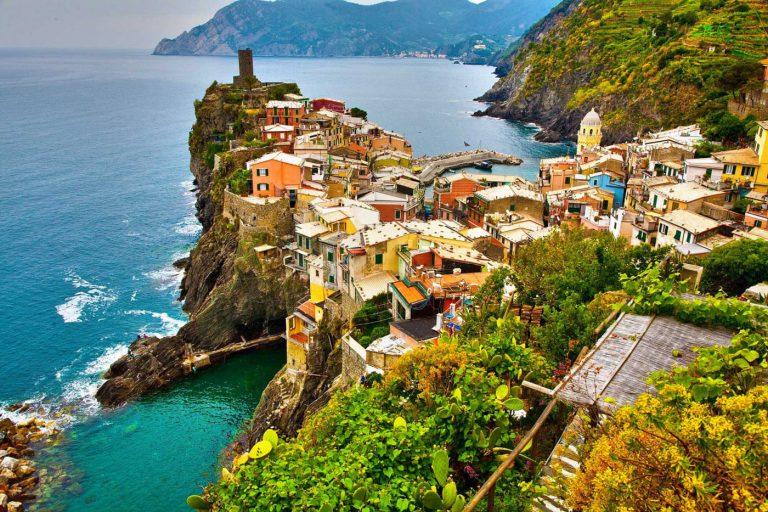Le Cinque Terre - Welcome Charter - Boat and yacht charter - noleggio di yacht e barche