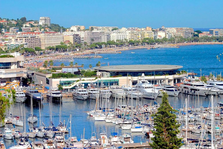 Cannes - Welcome Charter - Boat and yacht charter - noleggio di yacht e barche