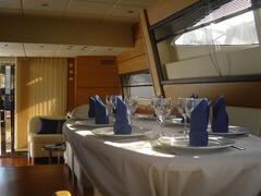 Services - Servizi - Welcome Charter - Boat and yacht charter - noleggio di yacht e barche