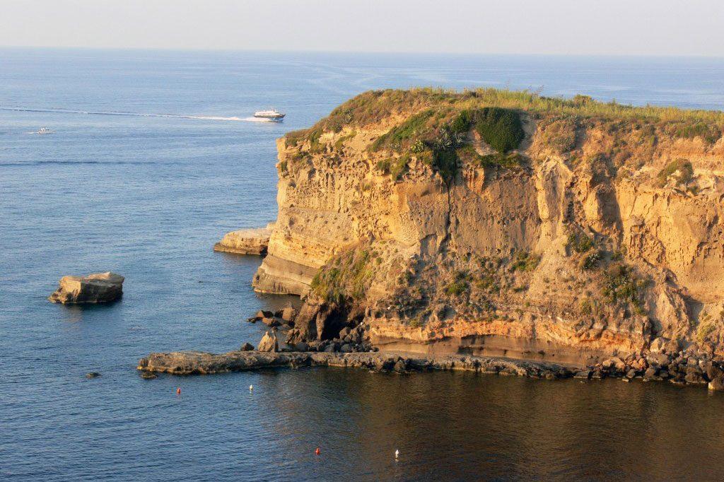 Ventotene - Welcome Charter - Boat and yacht charter - noleggio di yacht e barche