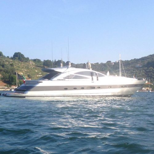 Yacht Pershing 76 Stinger - Welcome Charter - Boat and yacht charter - noleggio di yacht e barche